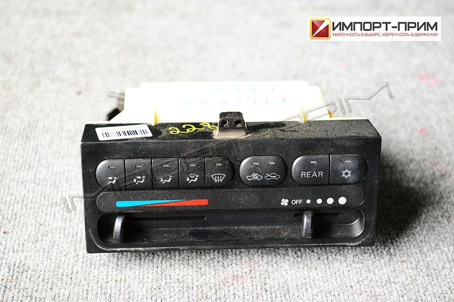 Блок управления климатконтроля Mitsubishi DELICA PD6W 6G72 Фото 1