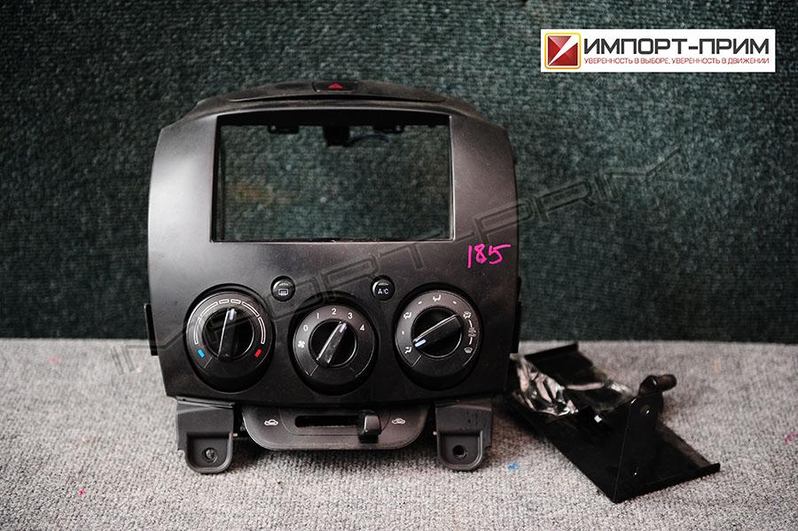 Блок управления климатконтроля Mazda DEMIO DE3FS ZJVE Фото 1