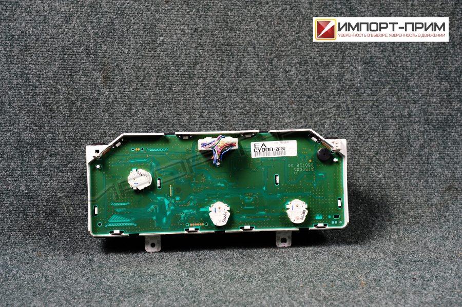 Панель приборов Nissan SERENA NC25 MR20DE Фото 2