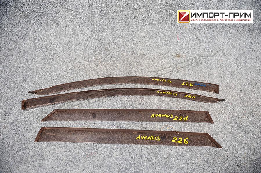 Ветровик Toyota AVENSIS AZT255 1AZFSE Фото 1