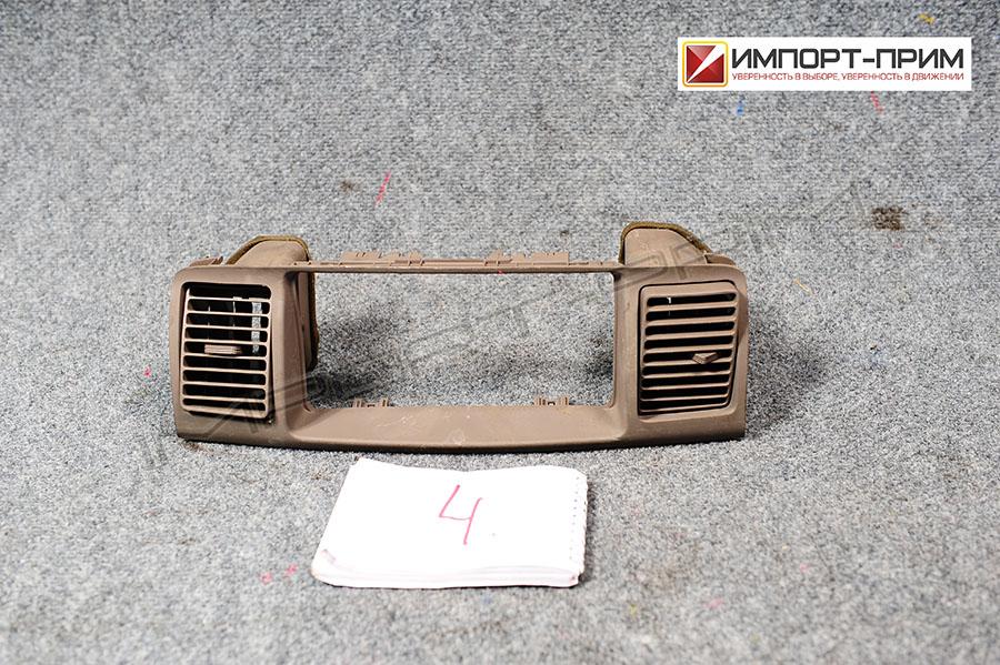 Консоль магнитофона Toyota COROLLA NZE124 1NZFE Фото 1