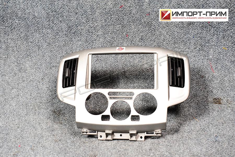 Консоль магнитофона Nissan NV200 M20 HR16DE Фото 1